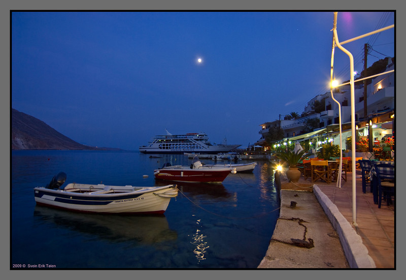 Evening scene - small and large vessels are resting for the night