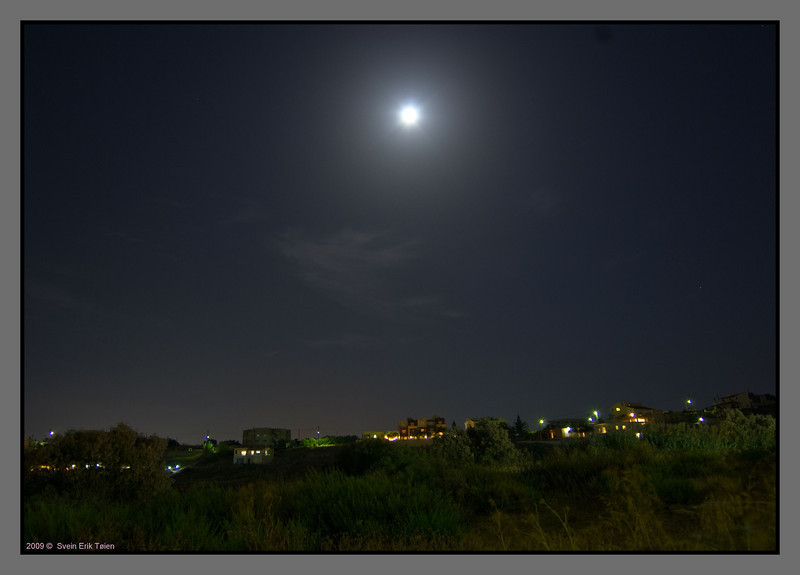 Moon over Stalos - air is warm, humid and perfumed with thyme, and the Cicadas are fiddeling intensely...