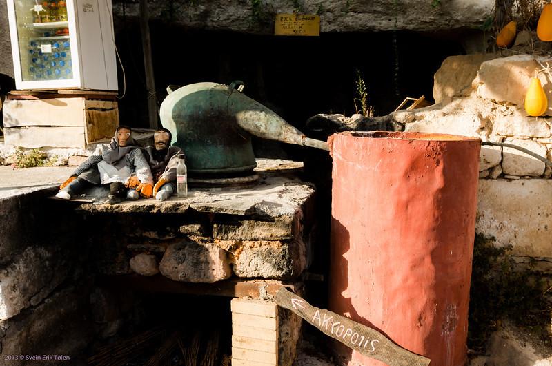 The local pride - Giorgos' Raki destillery, Polirinia