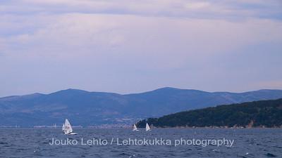 Merelle Splitistä - Towards the Sea, out from Split