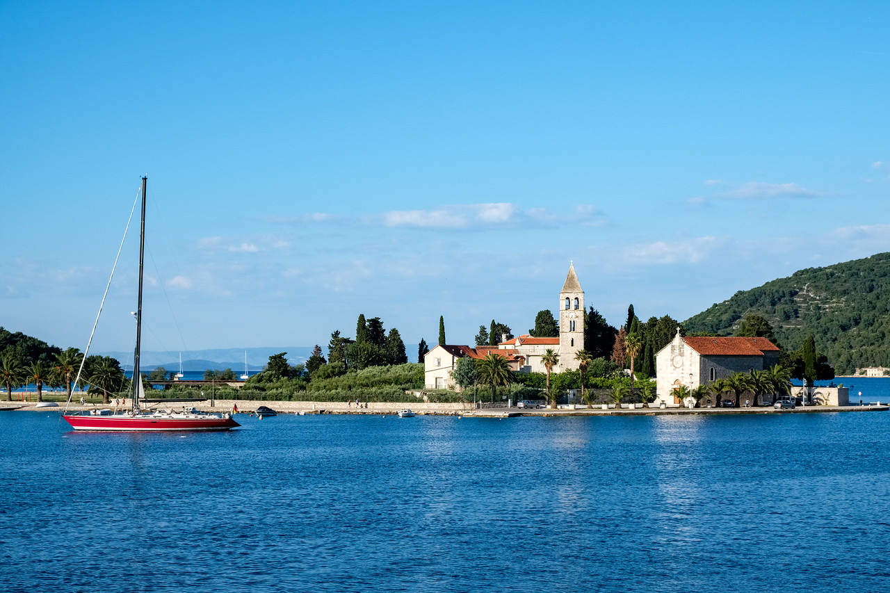 Arriving in Vis by boat