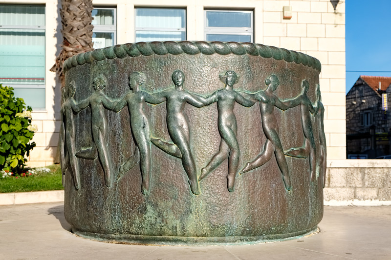 Dancing girls sculpture in Korcula