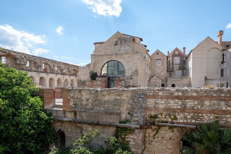 Modern living in the edges of Diocletian's Palace