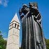 Grgur Ninski Statue