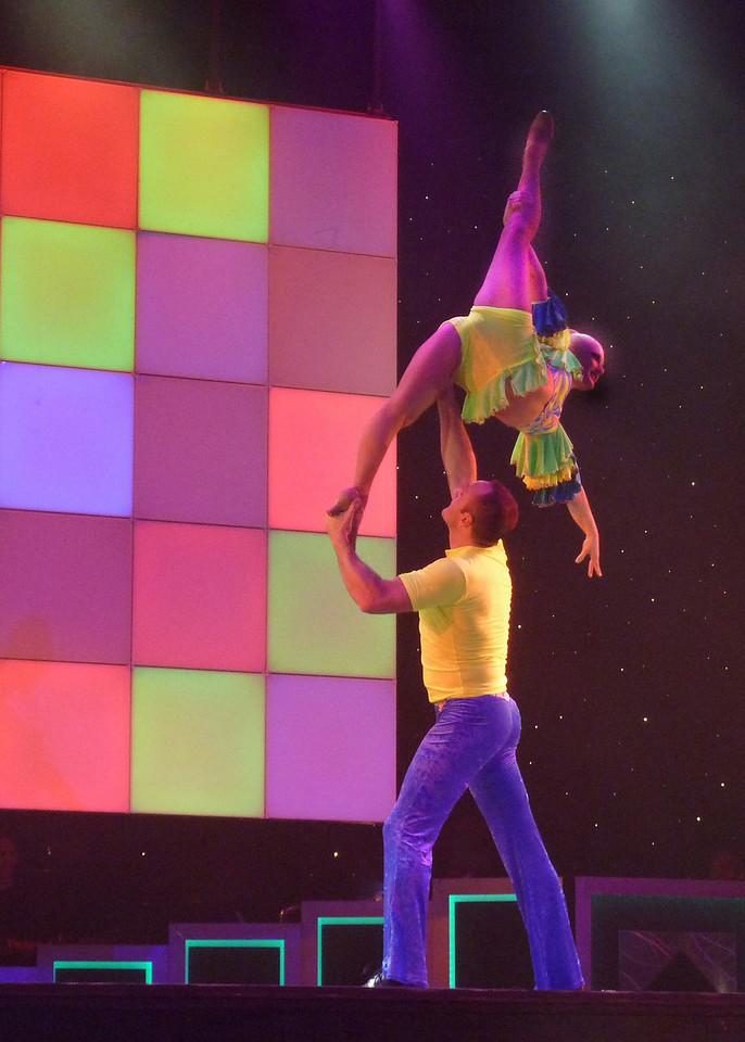 Incredible Parisian Acrobats