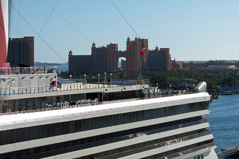 Atlantis Paradise Island / Carnival Sensation