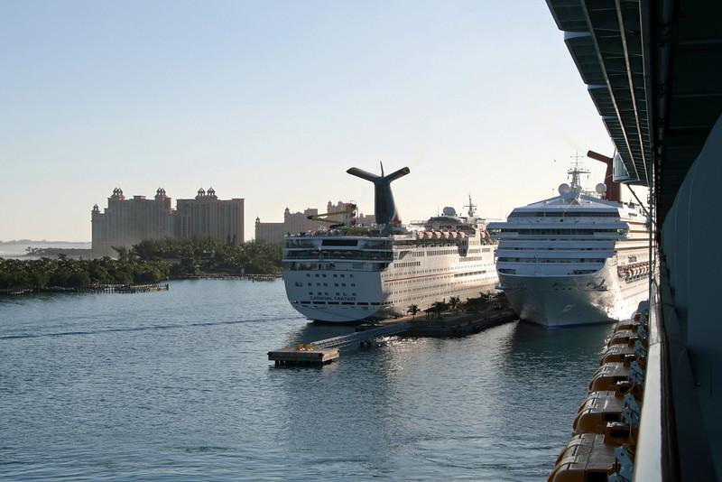 Atlantis Paradise Island / Carnival Fantasy / Carnival Sensation