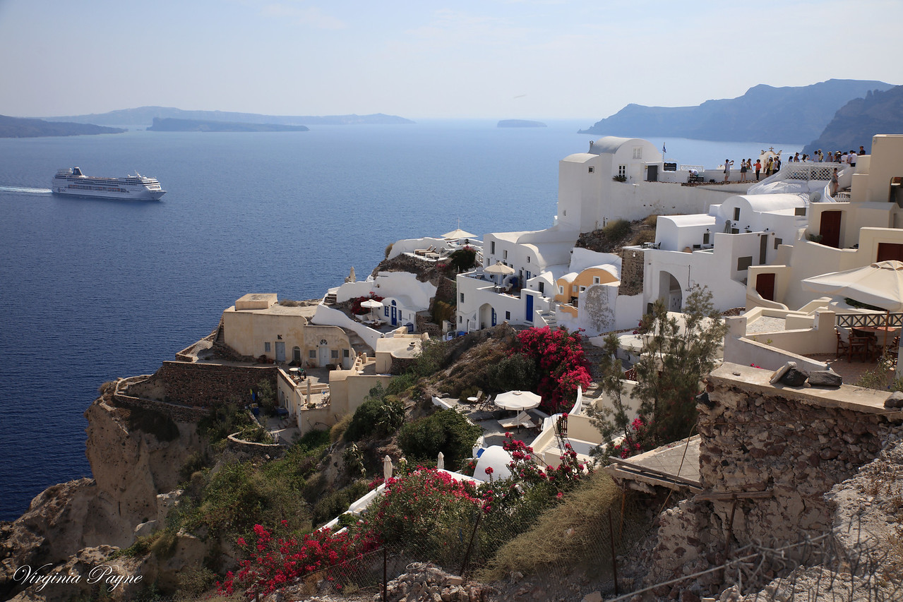 The small town of Oia.