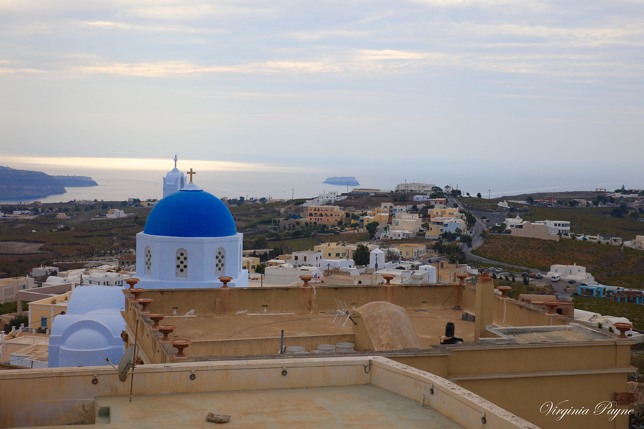 A good view of the Aegean Sea from the top of the hill in Pyrgos near sunset!