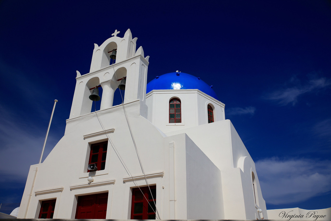 Most churches have a blue dome, symbolizing heaven.