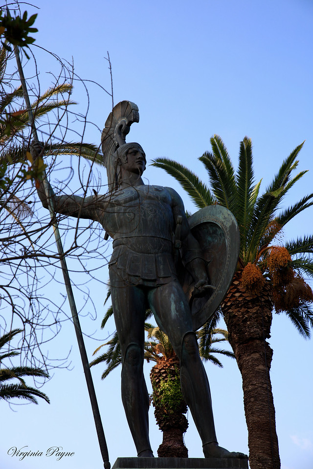 The statue has 4.5 tons of bronze and 5.5 meters in height (from base to the tip of the spear), 11.5 meters with pedestal.