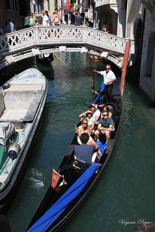 Gondola rides are €80 for 40 min, and €40 for additional 20min increments.