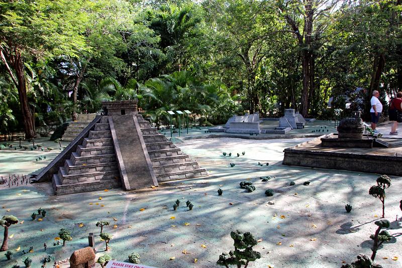 Discover Mexico Park