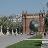 Triumphal Arch Lined by Gaudi Lamp Posts (61763804)