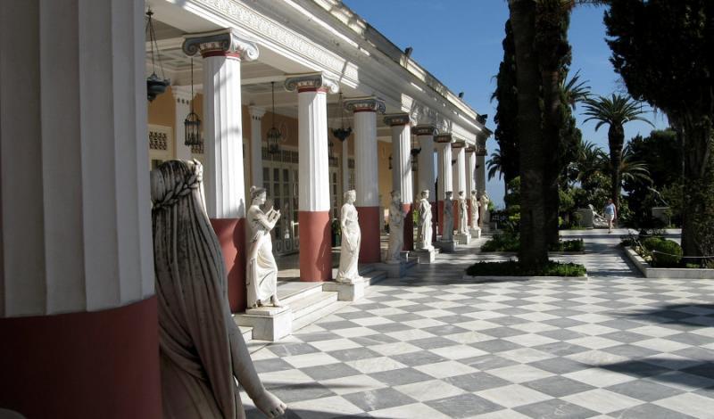 Porch of the Achiellean Palace (61541922)