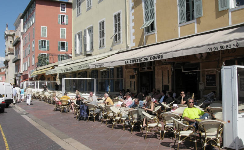 sidewalk cafe (61444088)
