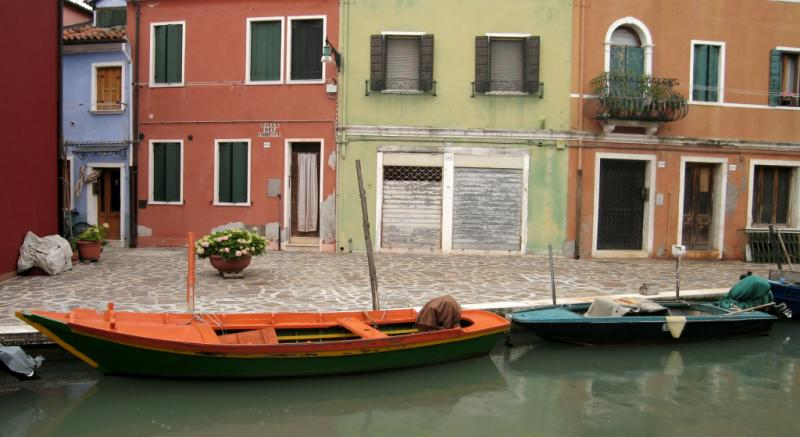 Burano Canal (61666153)