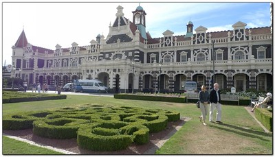 Gardens in front of Dunedin Train Station (109292741)