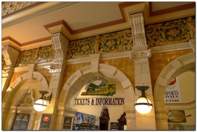 Lobby of Dunedin Train Station (109292710)