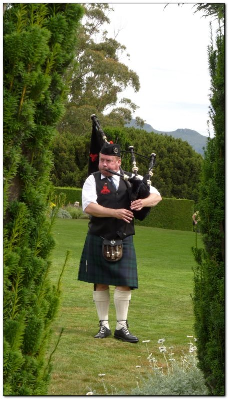 bagpiper at the castle (109292773)