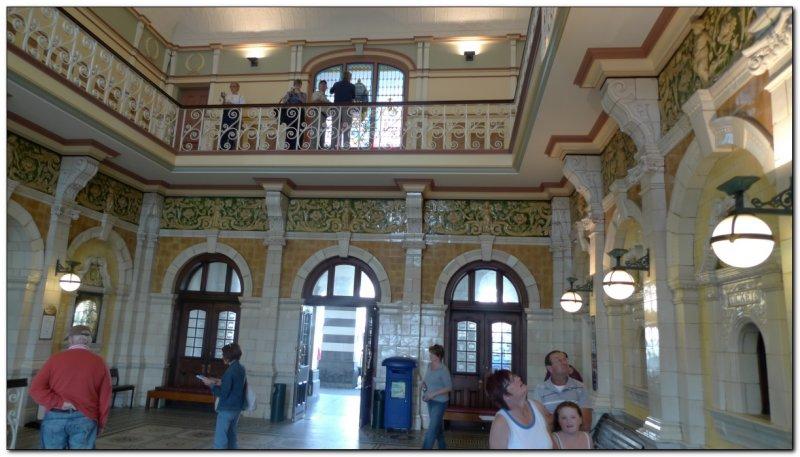 Lobby of Dunedin Train Station (109292723)