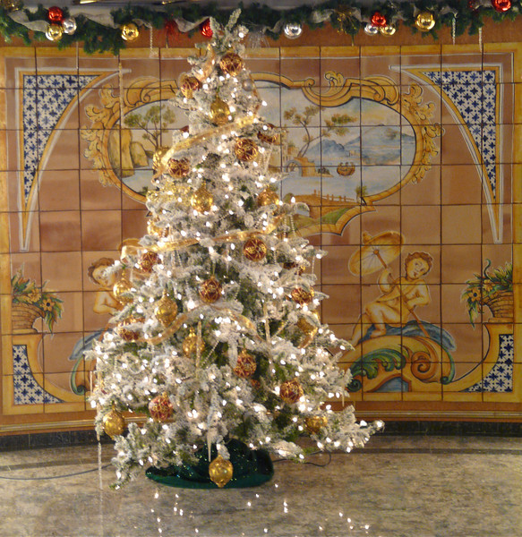 silversea-silver-cloud-christmas-tree