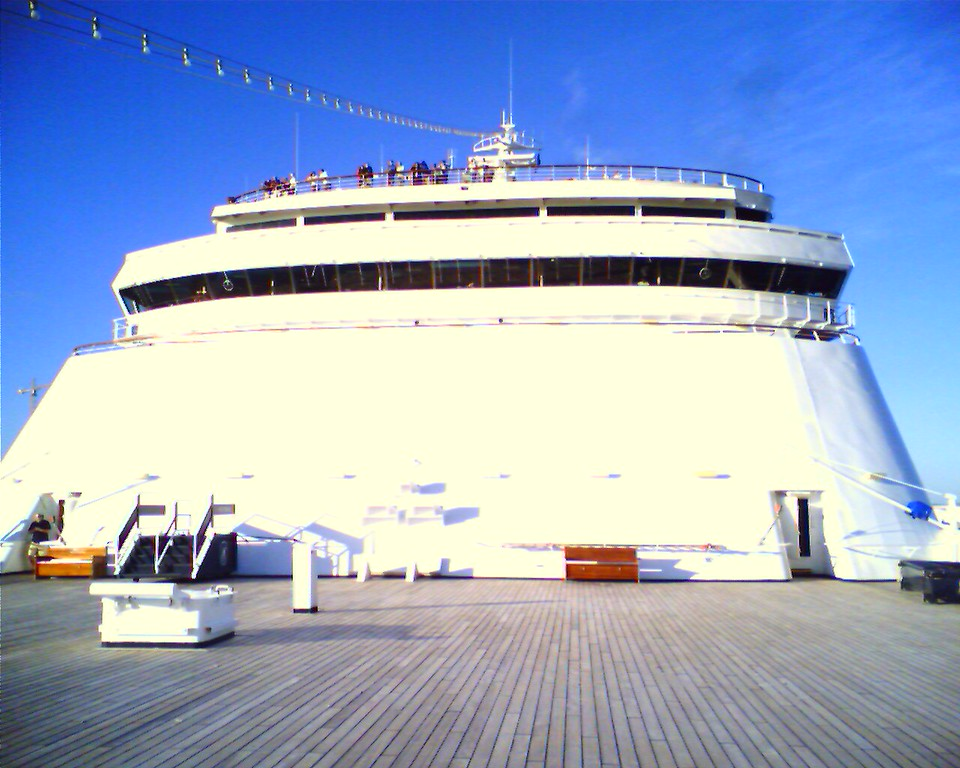 """ms Veendam  ms Veendam  (Posted straight from my phone with <a href=""""http://nakama.ca"""">Nakama</a>.)"""