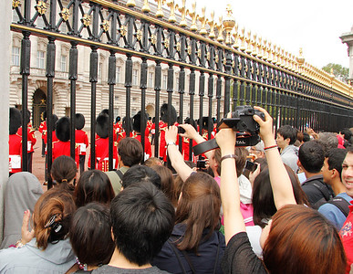 crowds gather at the changing of the guard