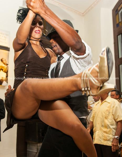 also see; www.blurb.com/b/3586795-cuba