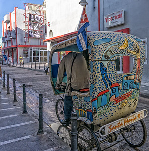 One of the beautifully decoratedbici-taxis.