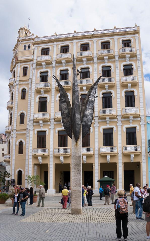 Public sculpture, Havana