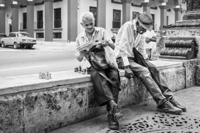 Street chess is popular everywhere in Cuba