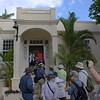 BTO group waiting to see Museo Ernest Hemingway - Finca Vigia - view only from doorway