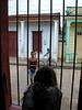 Baracoa'daki evimizin sokaktan bize özel ayrı bir girişi var.<br /> N 20 20'48.56 W 74 29'48.86