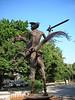 La Rampa caddesi üzerindeki Don Kişot heykeli.<br /> N 23 08'16.64 W 82 23'06.50