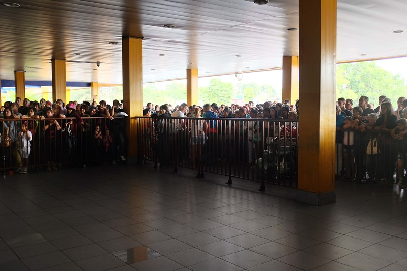 Relatives awaiting visitors and locals returning from Miami at the José Martí Airport, U.S. Charter terminal.
