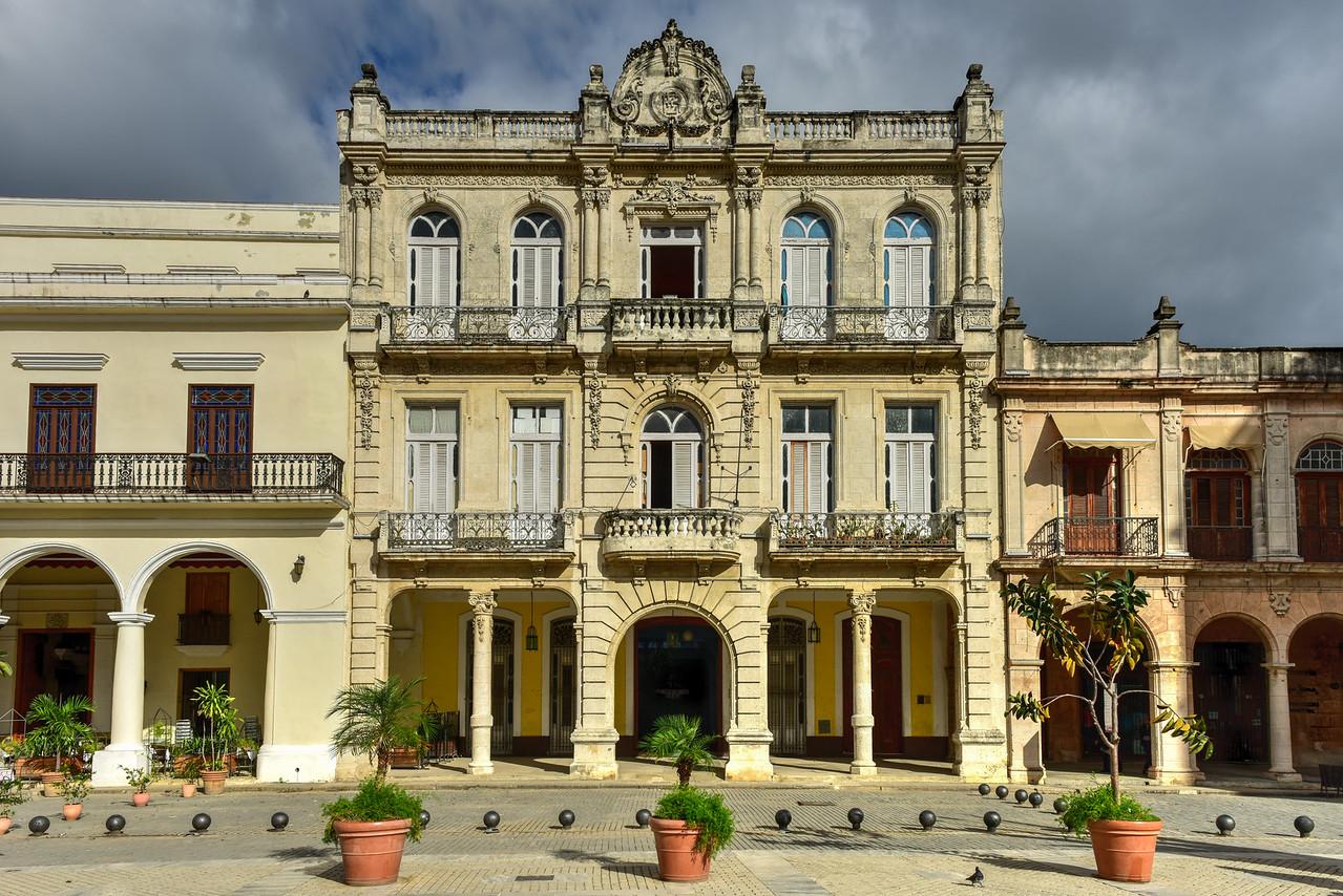 Plaza Vieja - Havana,