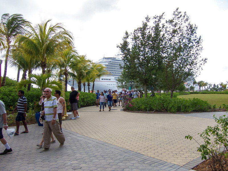 Tourists from nearby cruise ship, Willemstad, Curaçao - February 2013