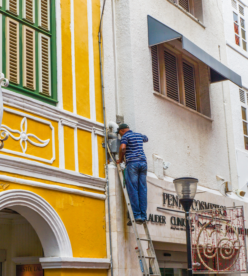 Man on Ladder, Curacao