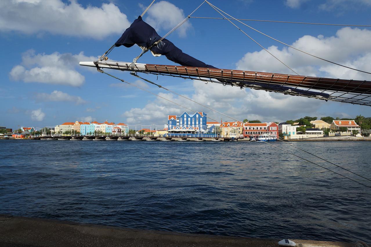 Otrabanda with the Swinging Bridge Open