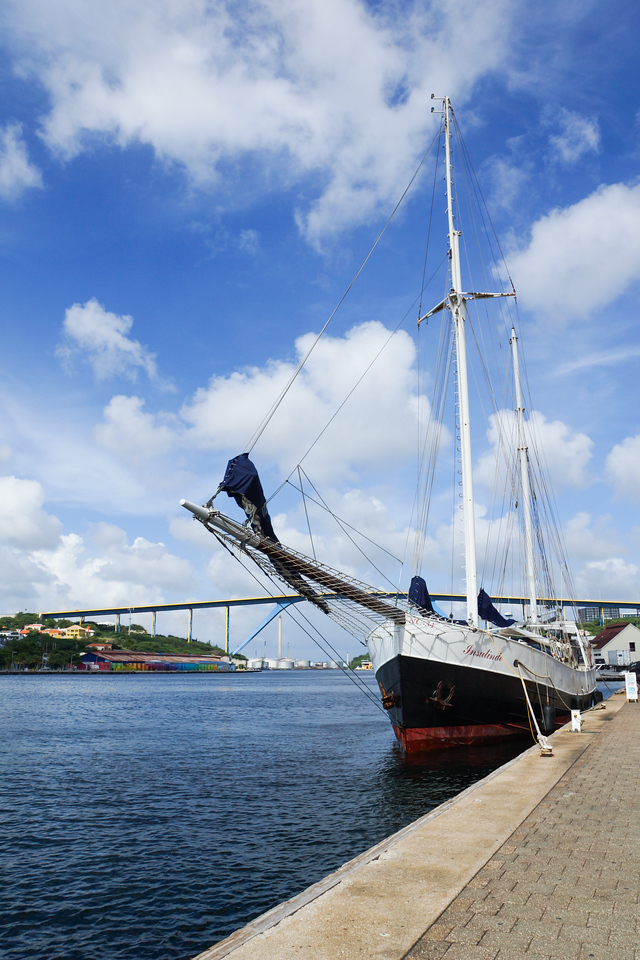 Ship and Queen Juliana Bridge, Curacao