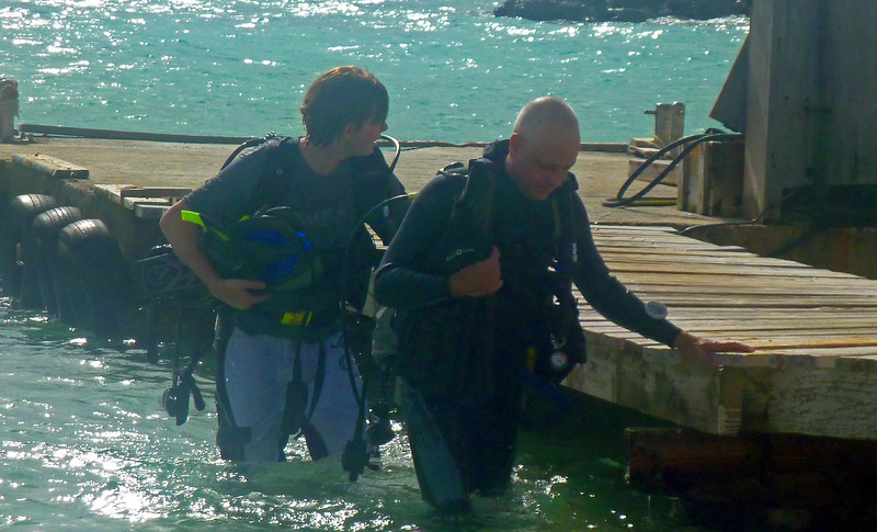 Mike completes his final dive for Padi certification.  Oliver is his instructor.