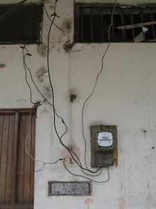 2006-11-24_11911 electric wiring ecuadorian style #1 elektrische Verkabelung ecuadorianische Art #1 cableado elétrico estilo ecuadoriano #1