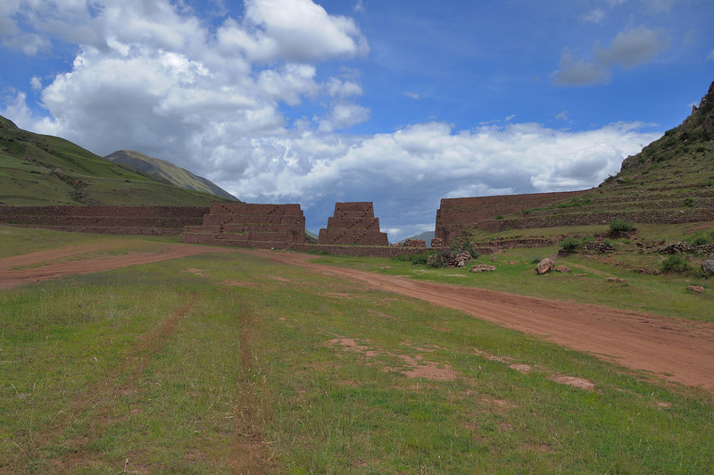 "The ""wall"" of Rumicola is actually a pre-Inca site that stradles the entire valley."