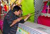¡Cuidado! Adolfo Cusihuaman Cjuiro con arma de fuego - Juegos Mecánicos - Santa Ursula - Cusco - Perú<br /> <br /> Take cover, Adolfo with a fire weapon - Santa Ursula fairground - Santa Ursula - Cusco - Peru<br /> <br /> Bloed verzekerd, Adolfo en een vuurwapen - Santa Ursula Kermis - Santa Ursula - Cusco - Peru<br /> <br /> Attention, Adolfo avec une arme - Kermesse de Santa Ursula Kermis - Santa Ursula - Cusco - Pérou