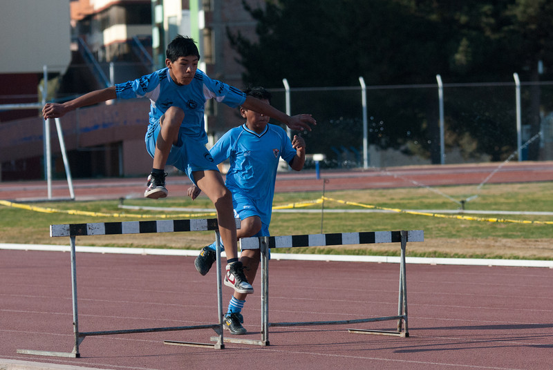 Practica de vallas - Parque Zonal - Wanchaq - Cusco - Perú<br /> <br /> Hurdles training - Parque Zonal - Wanchaq - Cusco - Peru<br /> <br /> Horden training - Parque Zonal - Wanchaq - Cusco - Peru<br /> <br /> Entraînement de haies - Parque Zonal - Wanchaq - Cusco - Pérou