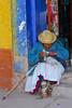 Pobre señora - Plaza de Armas - Calca - Valle Sagrado de los Incas - Cusco - Perú<br /> <br /> Needy lady - Plaza de Armas - Calca - Valle Sagrado de los Incas - Cusco - Peru<br /> <br /> Waar is die van boven weer? - Plaza de Armas - Calca - Valle Sagrado de los Incas - Cusco - Peru<br /> <br /> Où est il celui des cieux? - Plaza de Armas - Calca - Valle Sagrado de los Incas - Cusco - Pérou