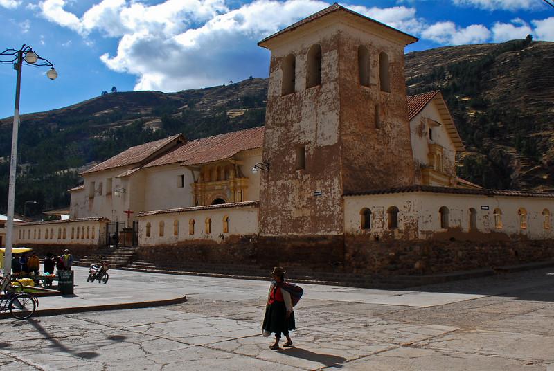 Templo colonial de adobe en la plaza de armas - Checacupe - Canchis - Cusco - Perú<br /> <br /> Colonial adobe church on the plaza de armas - Checacupe - Canchis - Cusco - Peru<br /> <br /> Koloniale adobe kerk op de plaza de armas - Checacupe - Canchis - Cusco - Peru<br /> <br /> Temple colonial en adobe sur la plaza de armas - Checacupe - Canchis - Cusco - Pérou