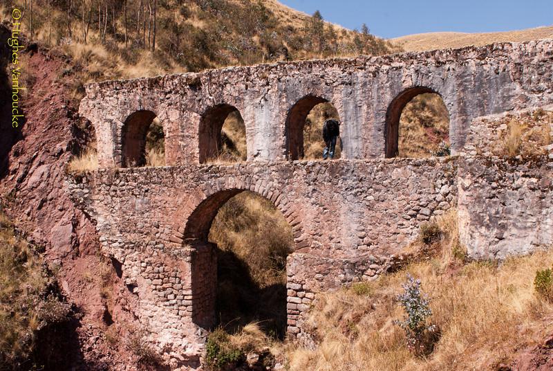 Puente colonial a 40' de Chinchero cerca de las antenas de Claro - Cusco - Perú<br /> <br /> Colonial bridge 40' uphill from Chinchero nearby the Claro antennas - Cusco - Peru<br /> <br /> Koloniale brug op 40' van Chinchero nabij de Claro antennes - Cusco - Peru<br /> <br /> Pont colonial à 40' de Chinchero à proximité des antennes de Claro - Cusco - Pérou