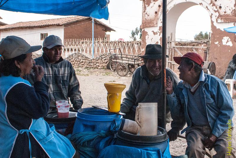 Después de unos aguardientes - Mercado de Abastos - Chinchero - Cusco - Perú<br /> <br /> After a couple of firewaters - Food Market - Chinchero - Cusco - Peru